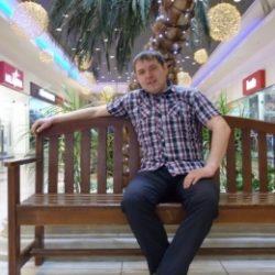 Двадцатилетний парень ищет девушку или женщину для секса без обязательств, в Кемерове.