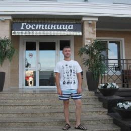 Парень. Ищет стройную девушку для секса без обязательств в Кемерове.