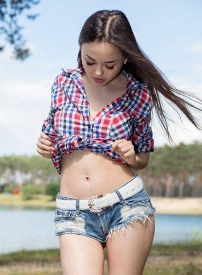 Девушка ищет парня для первого анала в Кемерове