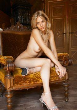 Обалденная девушка брюнетка, в поисках мужчины из Москвы