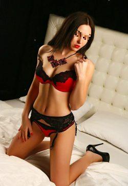 Шаловливая девушка познакомится с мужчиной для страстного секса в Кемерове