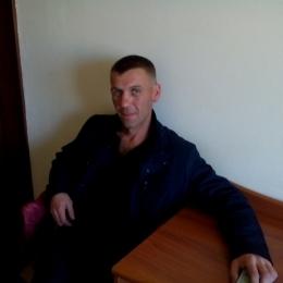 Семейная пара ищет девушку для секса жжм в Кемерове